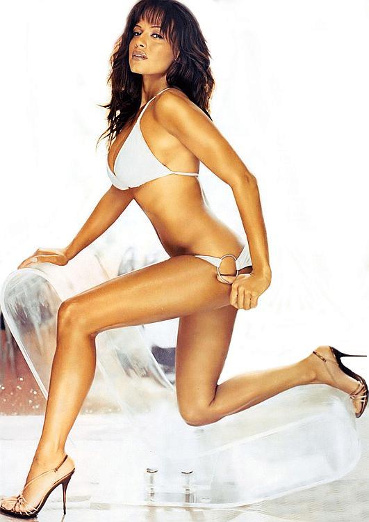 Leila's Maxim Magazine photos (1)