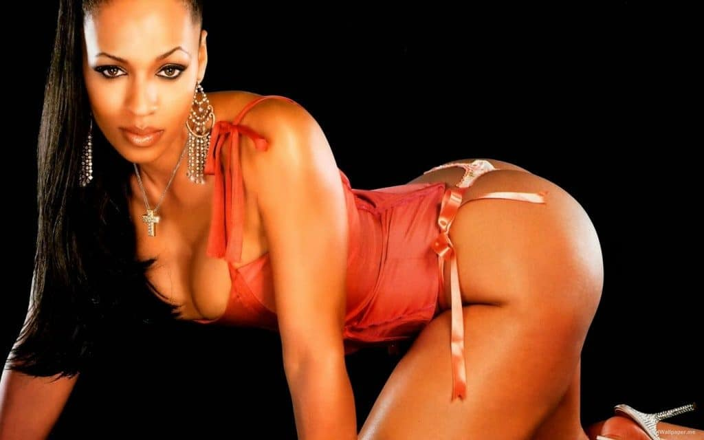 Melyssa Ford on all fours