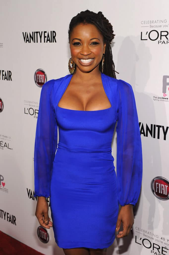 Shanola Hampton crazy cleavage on red carpet