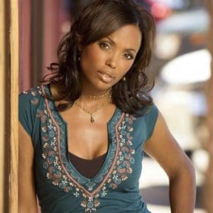 Aisha Tyler looking gorgeous and posing for the camera
