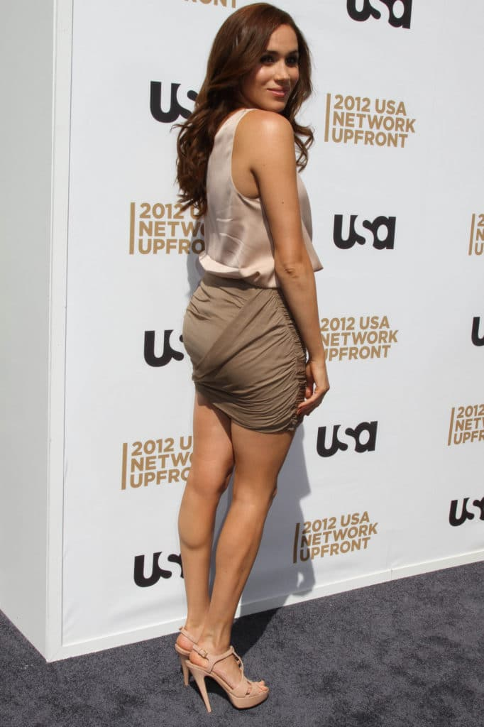Meghan Markle booty in skirt